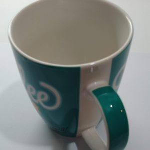 Caneca com frase Coffee